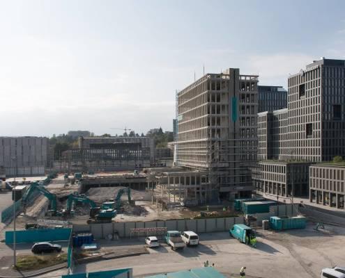 bâtiment en coru de démolition