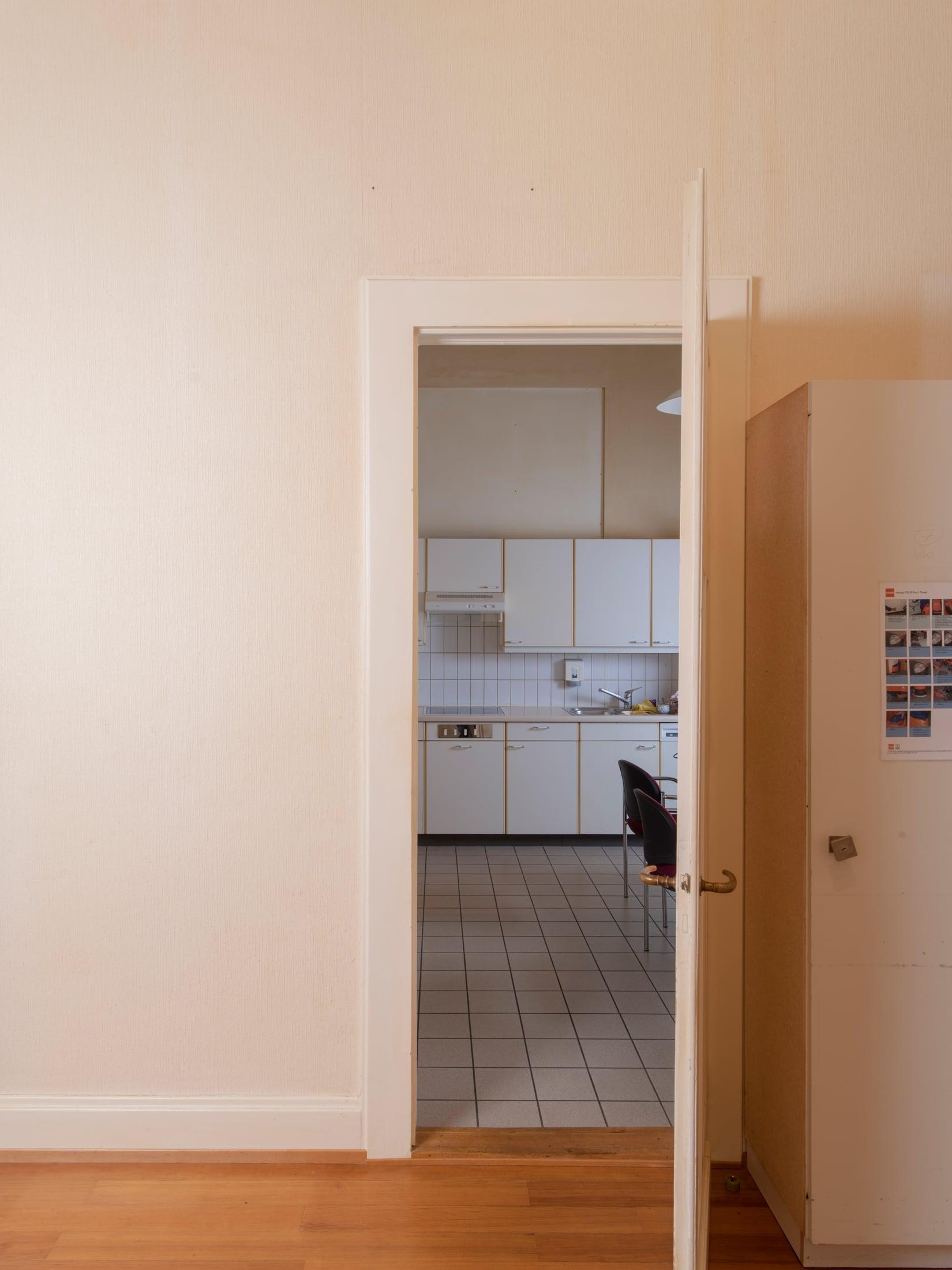 porte accédant à la cuisine