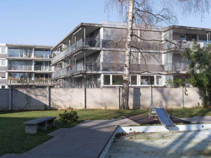 toboggan et immeubles d'habitation