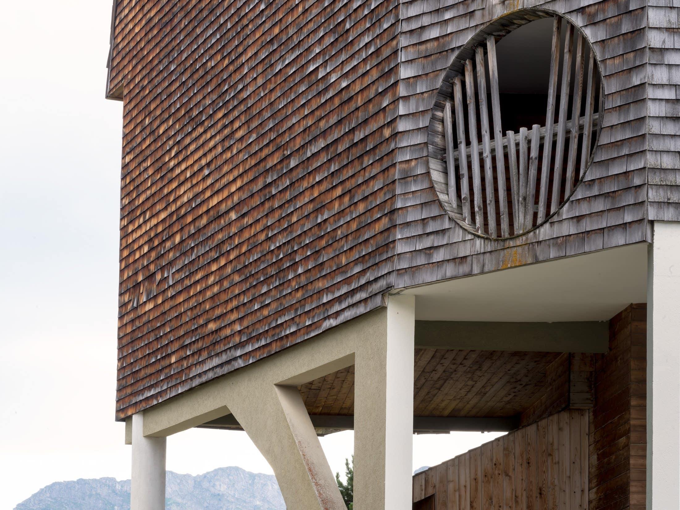 immeuble sur pilotis à Avoriaz