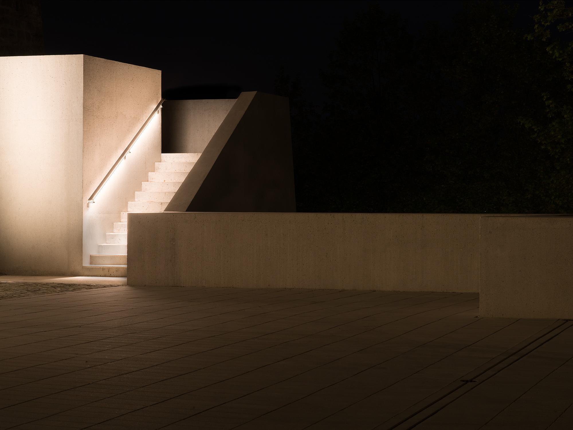 vue nocturne de l'entrée du château de Lausanne