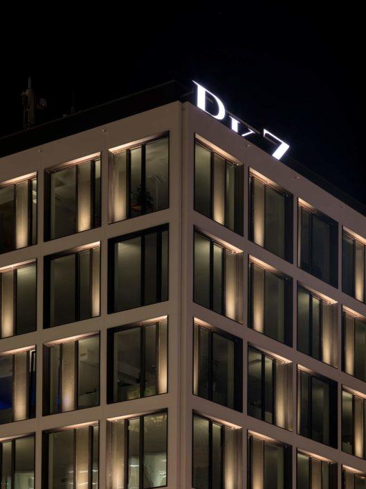 architecture nocturne au centre de Genève