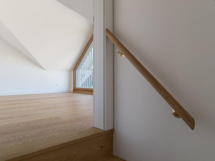 composition architecturale en triangle